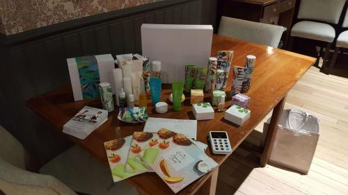 Girls nights out tropic skincare